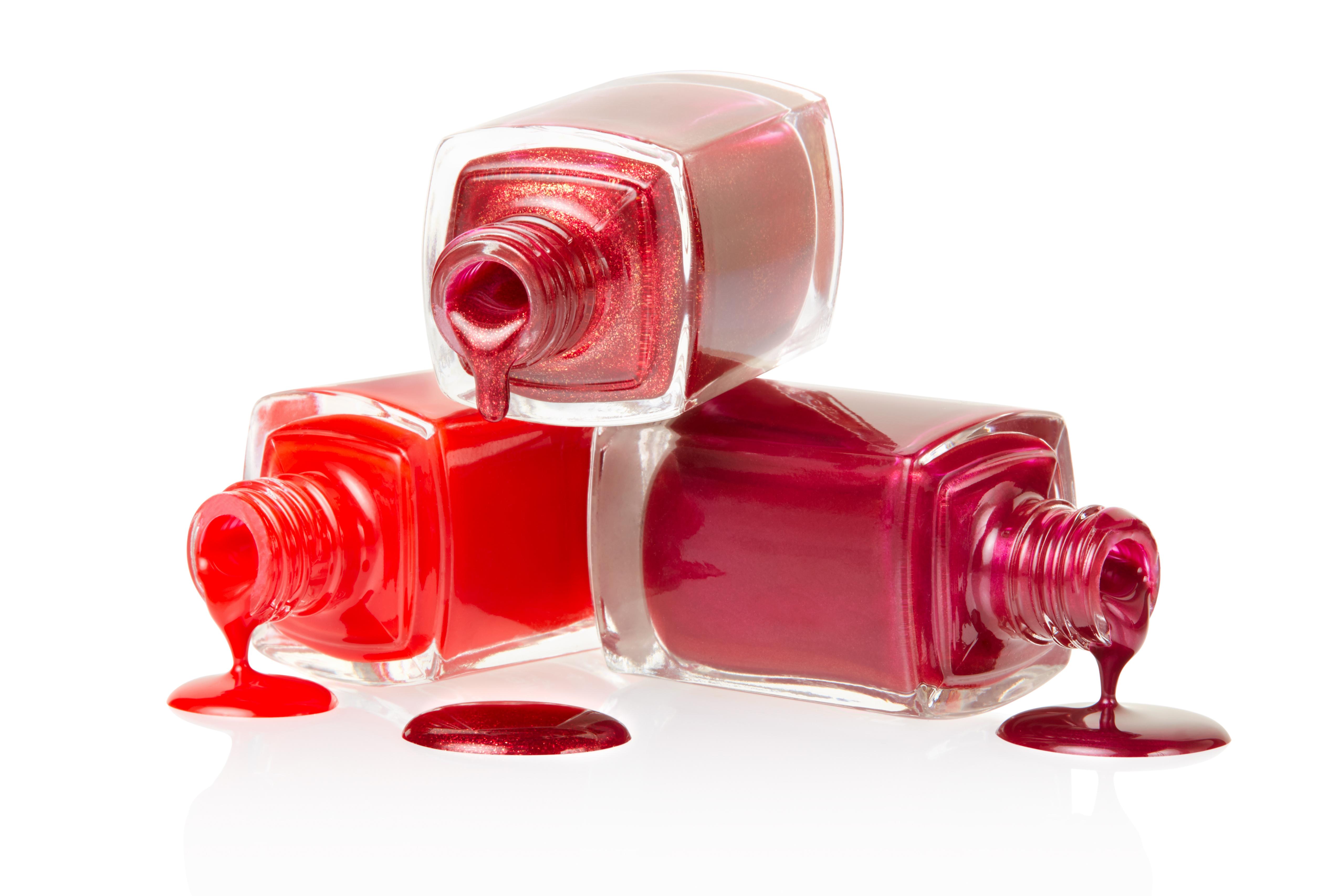 Wie passen Sie die Farbe des Nagellacks an die Form des Nagels?